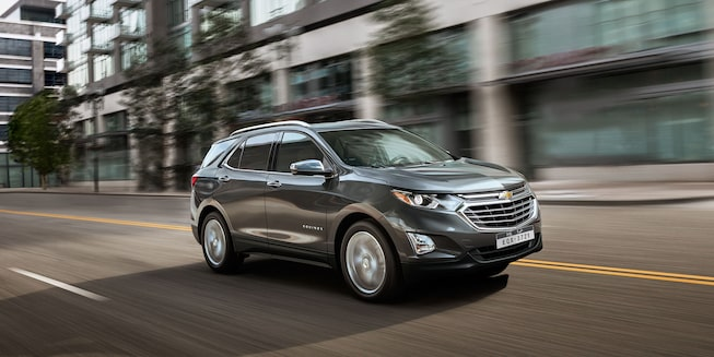 2020 Equinox Small SUV Exterior Side view: Grey