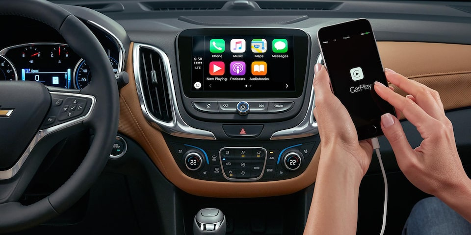 2019 Equinox Small SUV Technology : Apple CarPlay