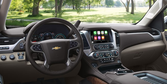 2019 Chevrolet SUV Suburban: Dashboard Interior Shot 1