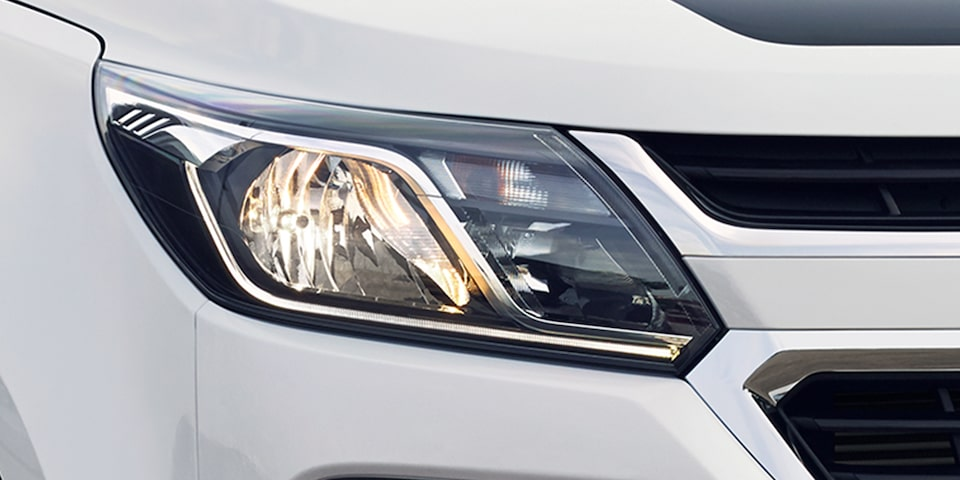 2019 Trailblazer Best 7-Seater SUV: headlamp
