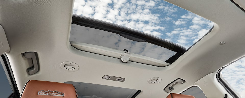2019 Traverse Midsize SUV: Sunroof