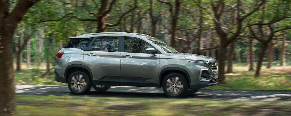 Captiva SUV Crossover Passanger Side Profile