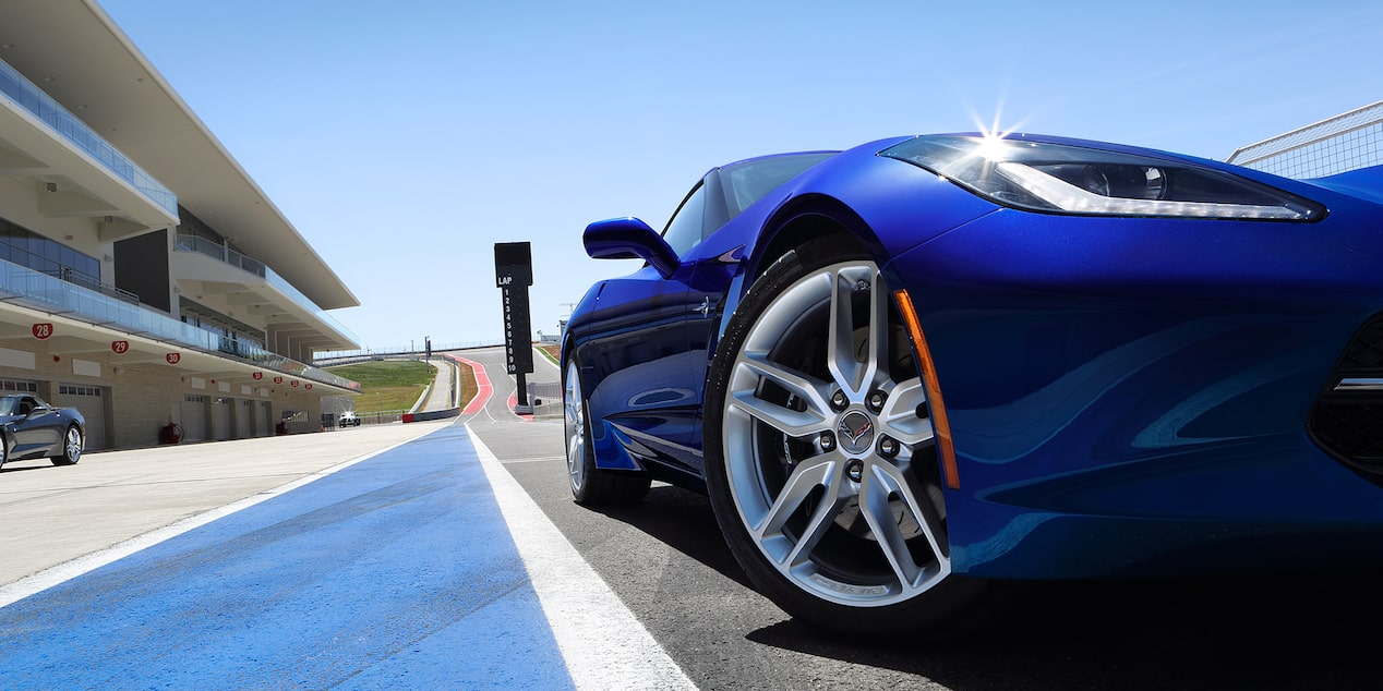 2019 Corvette Stingray Sports Car Design: wheels