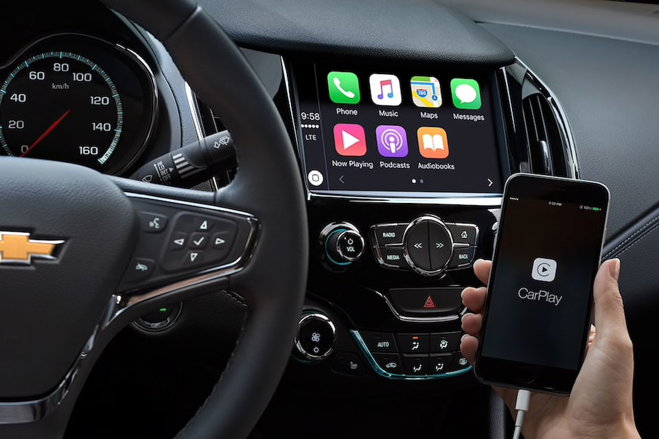 2019 Corvette ZR1 Sports Car Technology: Apple CarPlay