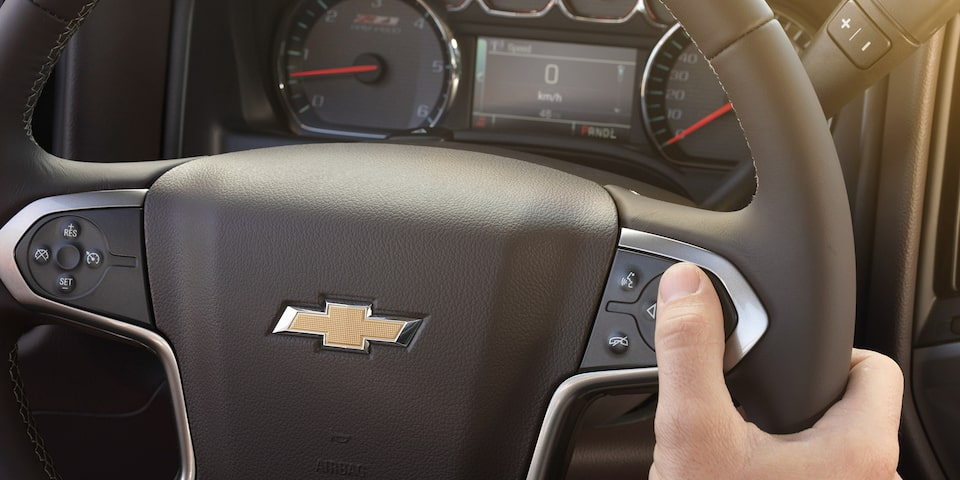 2019 Silverado HD Heavy Duty Truck Design: centrally located controls steering wheel